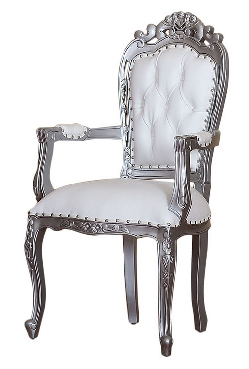fauteuil en bois satin blanc et son rev tement en simili croco blanc. Black Bedroom Furniture Sets. Home Design Ideas